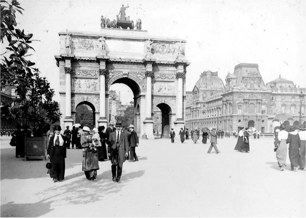 Paris en 1914 - Musee du Louvre