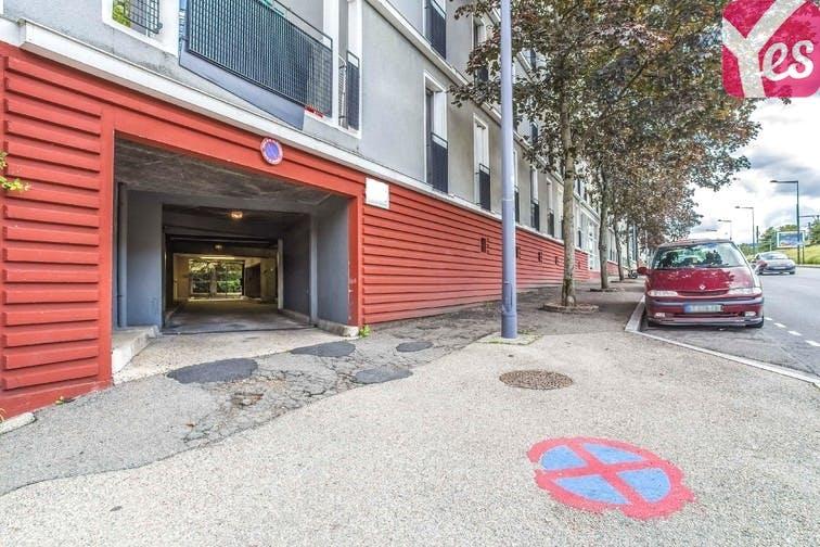location parking st etienne