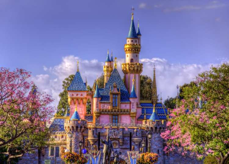 free disneyland travel