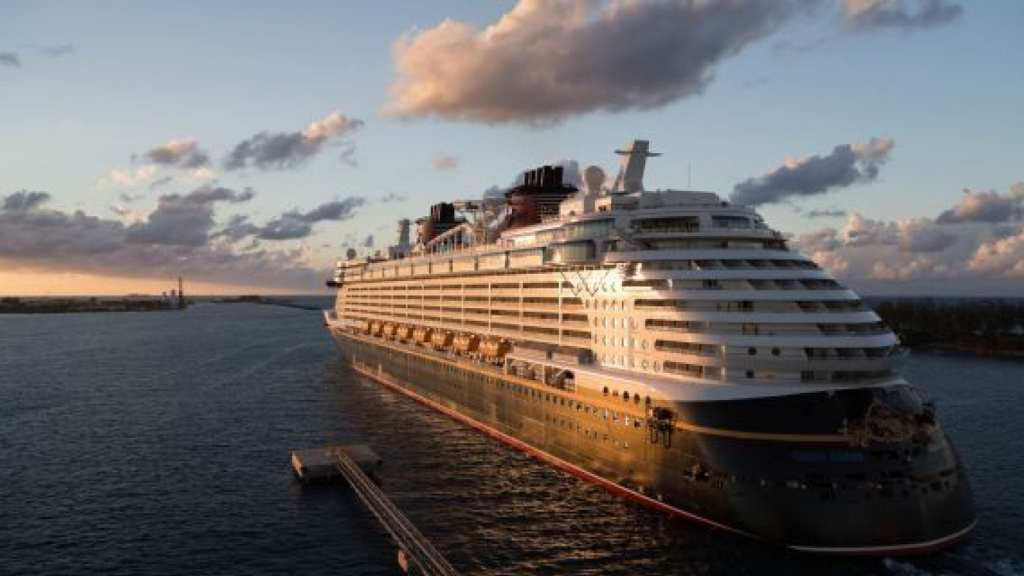 how to do a disney cruise for cheap