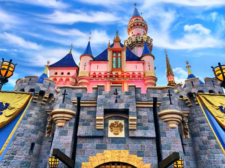 Disneyland Resort Attraction Reviews
