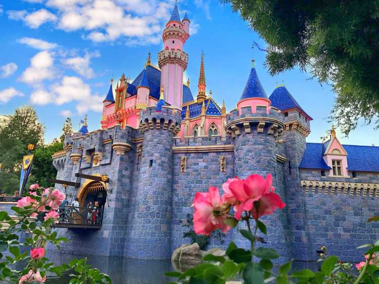 where can i get the cheapest disneyland tickets?