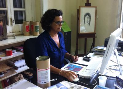 Nascida em família de artistas e formada em educação artística, a diretora da EAV, Claudia Saldanha, é a idealizadora da primeira revista digital de arte contemporânea do Brasil / Foto: Camille Dornelles