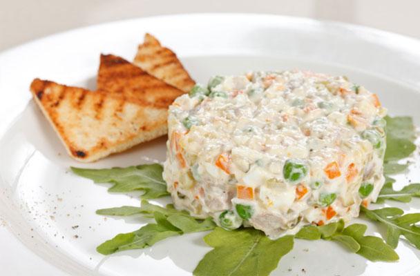 Insalata-russa-con-tonno-e-uova-sode-ricetta-parliamo-di-cucina