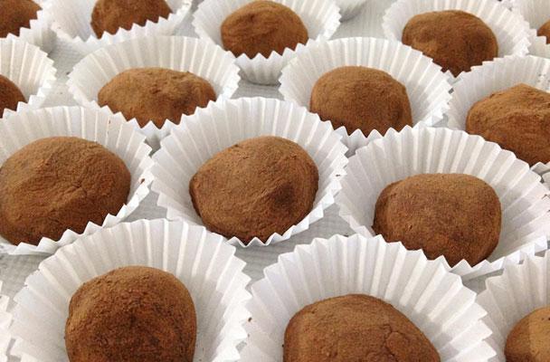 Tartufi-di-castagne-al-cioccolato-ricetta-parliamo-di-cucina