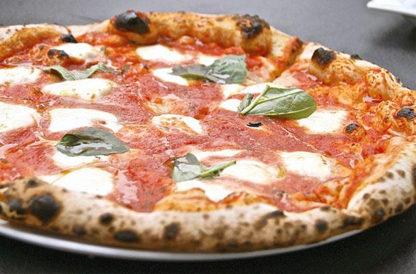 pizza-Margherita-ricetta-parliamo-di-cucina