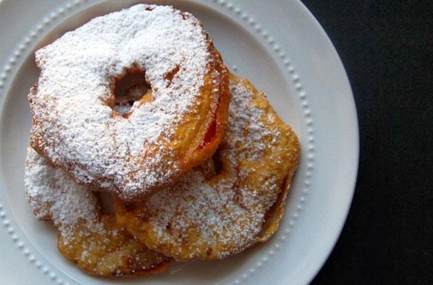 Frittelle-di-mele-ricetta-parliamo-di-cucina