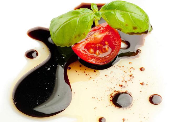 Aceto-balsamico-di-Modena-parliamo-di-cucina
