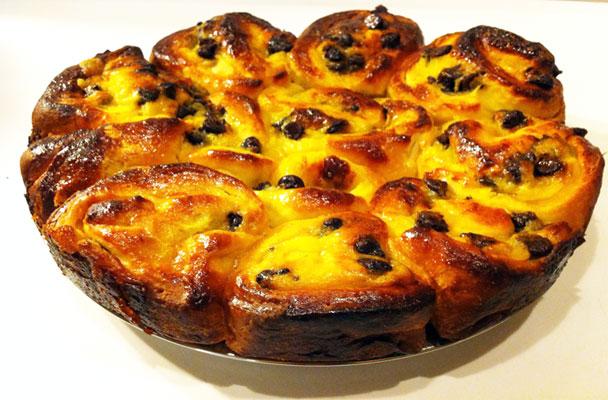 Torta-di-rose-alla-crema-crema-e-uvetta-ricetta-parliamo-di-cucina