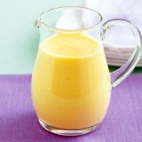 Liquore all'uovo superenergetico (con i gusci)