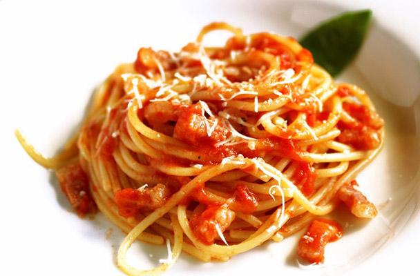 Spaghetti all\'Amatriciana - Parliamo di Cucina