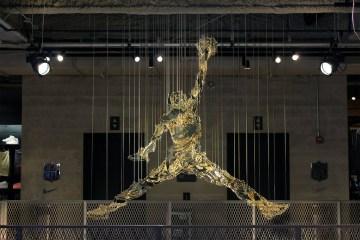 L'une des œuvres de Michael Murphy, montrant le fameux jumpman de Michael Jordan