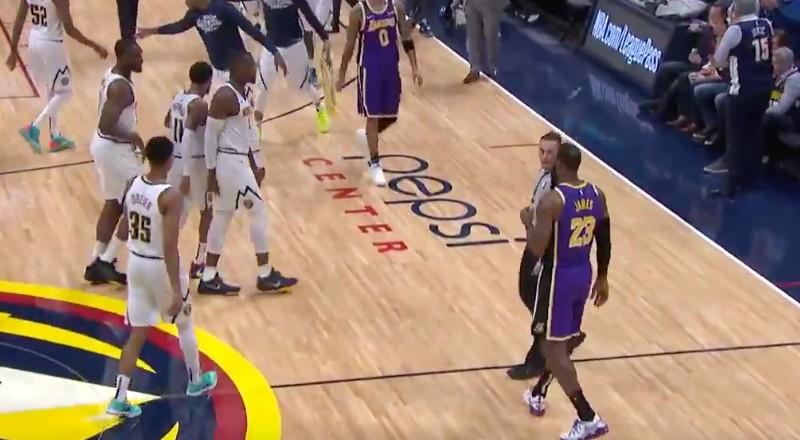LeBron James agacé par le trash-talking d'un adversaire