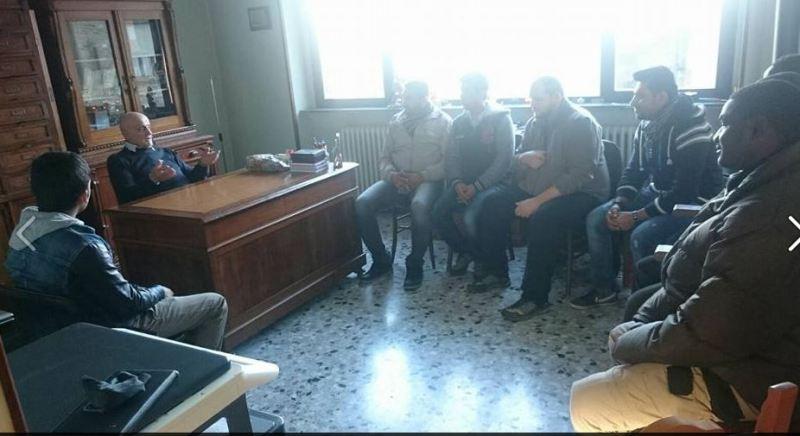 Incontro tra le religioni. Don Antonino incontra i richiedenti asilo di Varsi