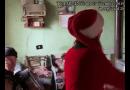 """Babbo Natale a Pessola passa da tutti… e per ringraziarlo """"""""gliele hanno anche suonate"""" minuto 2,04"""