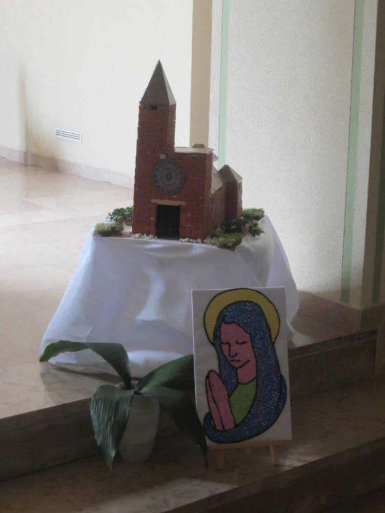 premieres communion 2015 mois de Marie 109b