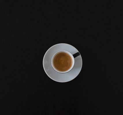 """""""Delitti senza castigo"""" ma con un buon caffè"""