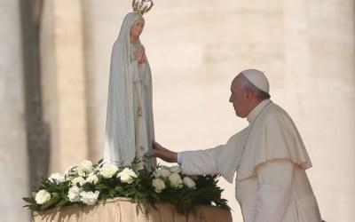 Papa pede duas orações diárias com o terço