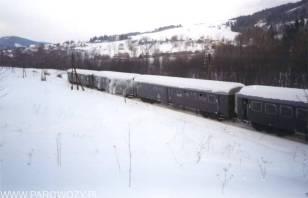 Pierwszy foto-stop za Rabką-Zdrój:Śniegu po pas, nie zniechęca to jednak do fotografowania.