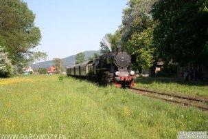 Ty2-911 + 4 wagony dwuosiowe z pociągiem Dobra-Chabówka. 28.05.2005. Fot.: Miłosz Mazurek.