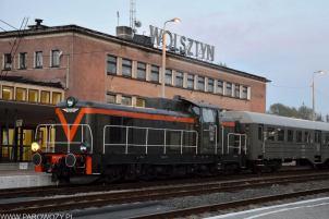SP42-260 z historycznym składem na stacji Wolsztyn. Fot.: Dirk Voigt