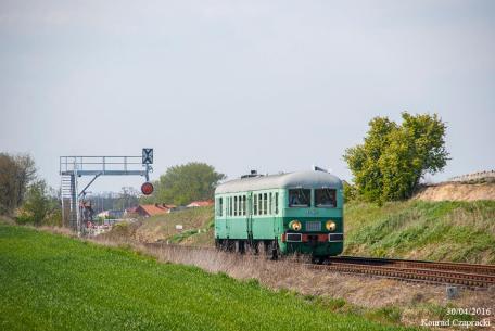 Paradzie Parowozów Wolsztyn'2016 towarzyszył przejazd wagonem motorowym SN61-168. Fot.: Konrad Czapracki.