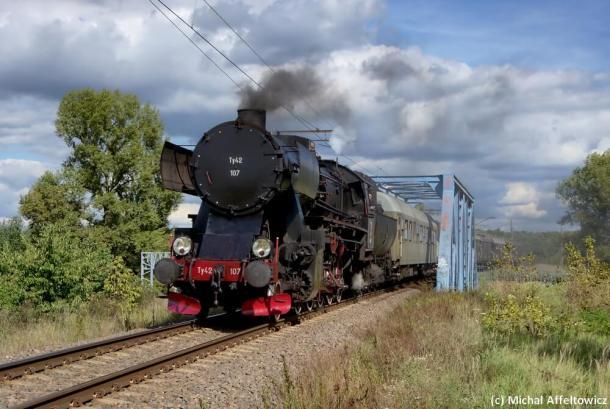 Ty42-107 z pociągiem w ramach imprezy Kolej na Wawer. Warszawa 16.09.2018. Fot.: Michał Affeltowicz