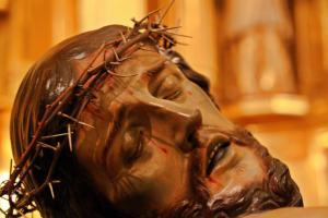 Sagrada imagen del Santísimo Cristo del Amparo. Autor: Francisco Salzillo. Realizada en el año 1739. Iglesia parroquial de San Nicolás, Murcia. (Pulsando en la foto, se puede ver ampliada).
