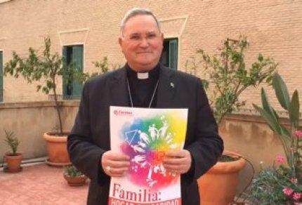 Cáritas.2016.Obispo.Foto.Web.Familia