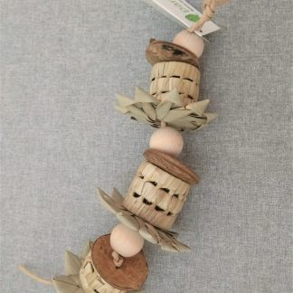 natural foraging toy for birds