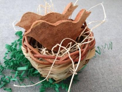 birds in nest toy