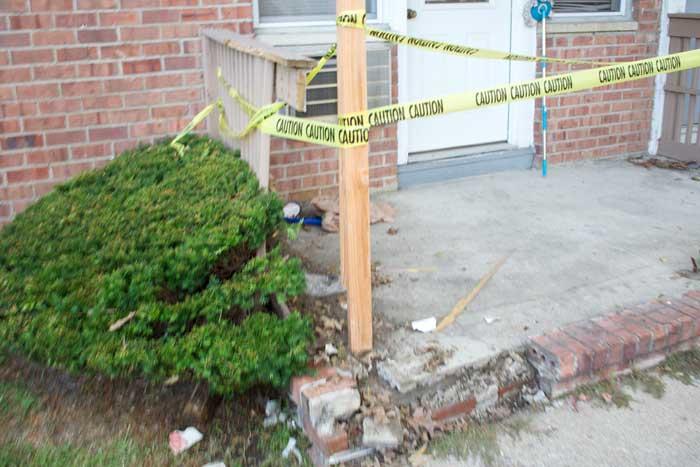 Vehicle hits porch in Knoll Gardens | Parsippany Focus