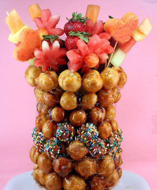 Croquembouche Vase with cut-out fruit flowers