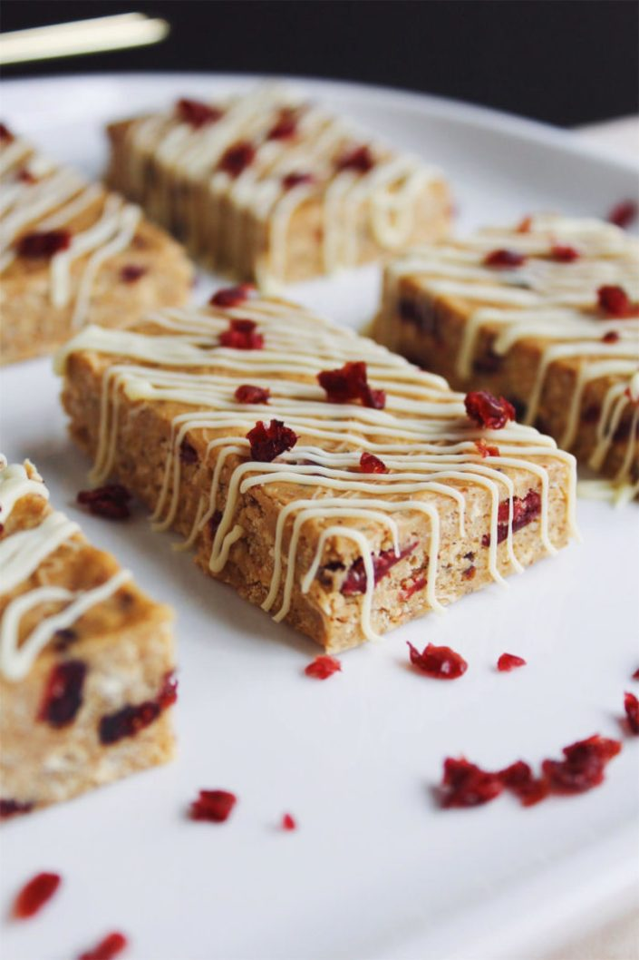 white chocolate cranberry no-bake protein bars