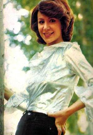 Singer Beti in jeans