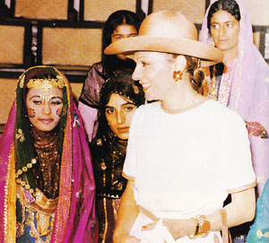 Farah Pahlavi & local women in Bandar Abbas - 1970s