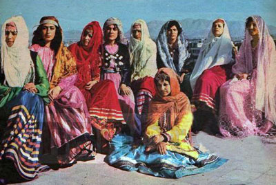 Women wearing traditonal Iranian costume