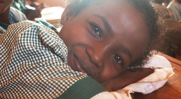 Une écolière à Madagascar