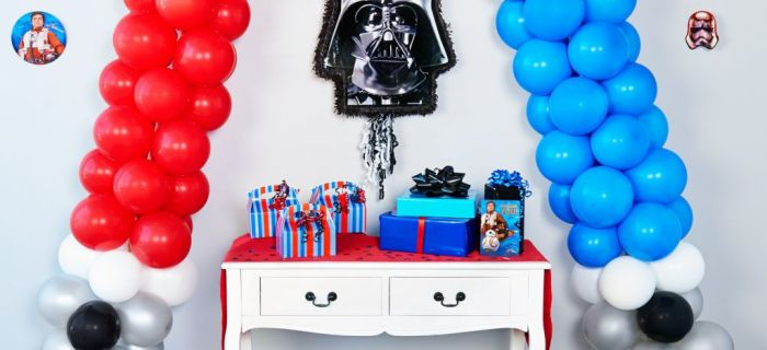 DIY Star Wars Lightsaber Balloon Decoration