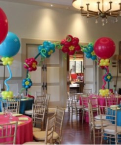 JUMBO BALLOON CENTERPIECE