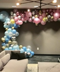 GENDER REVEAL GARLAND