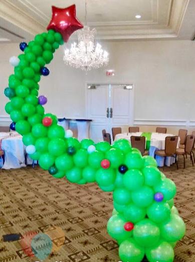 Grinch Balloon Christmas tree