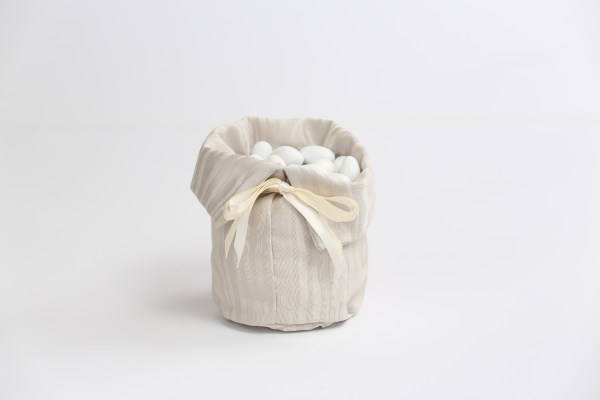 Sacco portaconfetti confettata in cotone moire colore perla (10 pz)-0