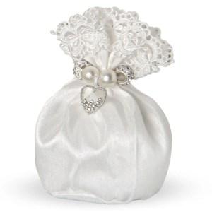 Bomboniera sacchetto bianco con macramè e apllicazione cuore-0