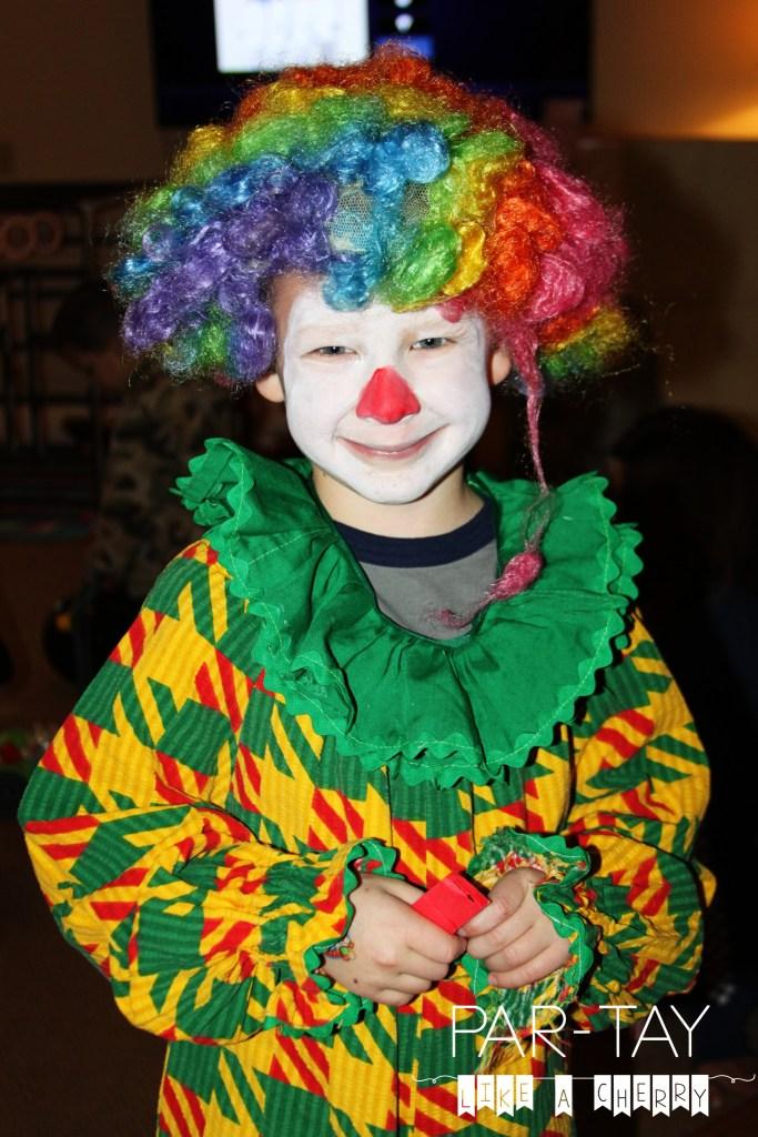 clown make up and costume idea