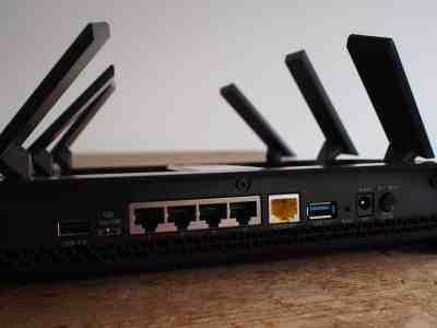 Deux ports USB et des interrupteurs pratiques