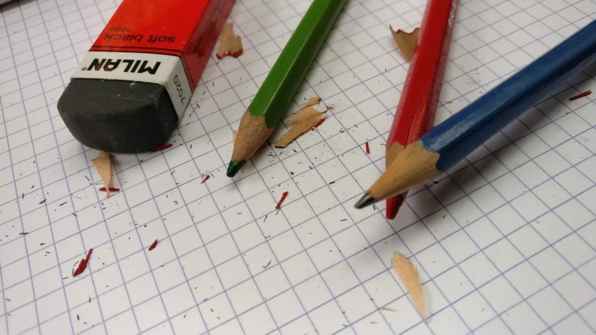 papier crayon mine efface écrire
