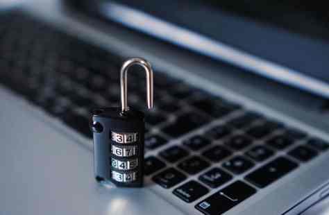 Sécurité ordinateur informatique cadenas mot de passe