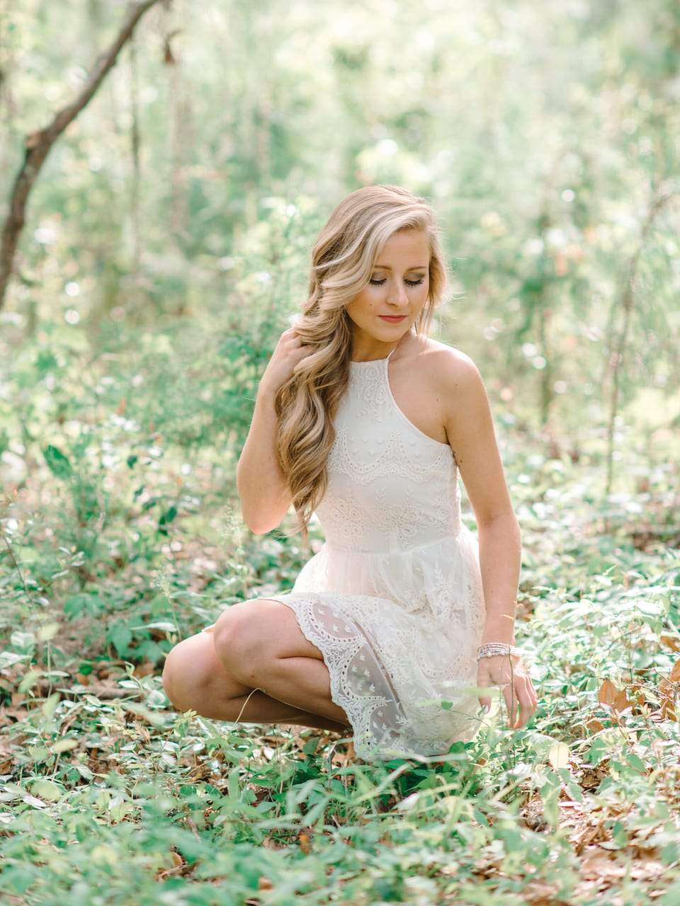 6 Stunning White Dress Ideas For Charleston Senior Photography Session