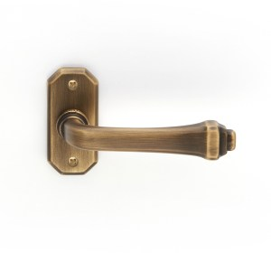 Handle on rose yester bronze brass creola classique